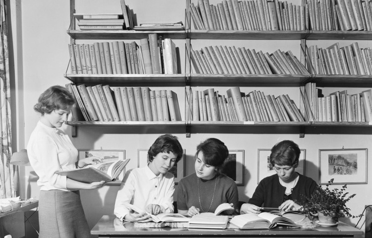 e1b7be0907b Kilden has its roots in the women's libraries from the 1920s and 30s, and  the archive and documentation projects of the 1970s.
